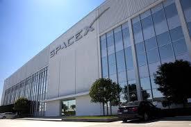 إلون موسك يلمح أن شركة سباسكس لن تجعل كبسولات دراجون تهبط على المريخ